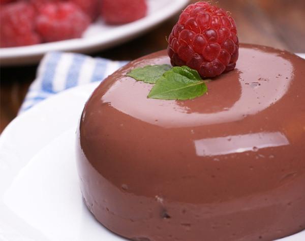 High protein chocolate flavor flan
