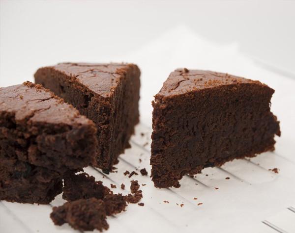 High protein chocolate cake