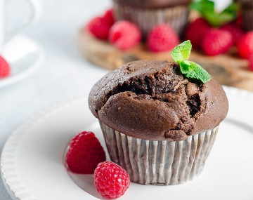 High-protein chocolate minute cake